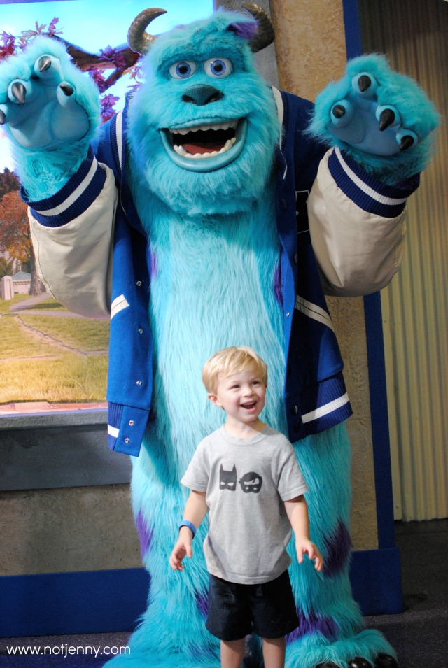 roaring with sully