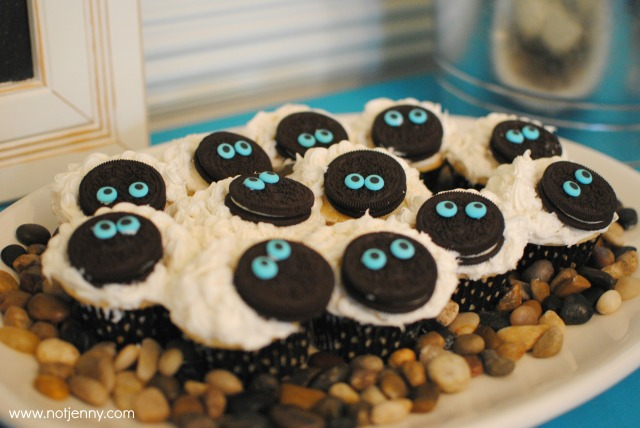 sheep cupcakes - notjenny.com